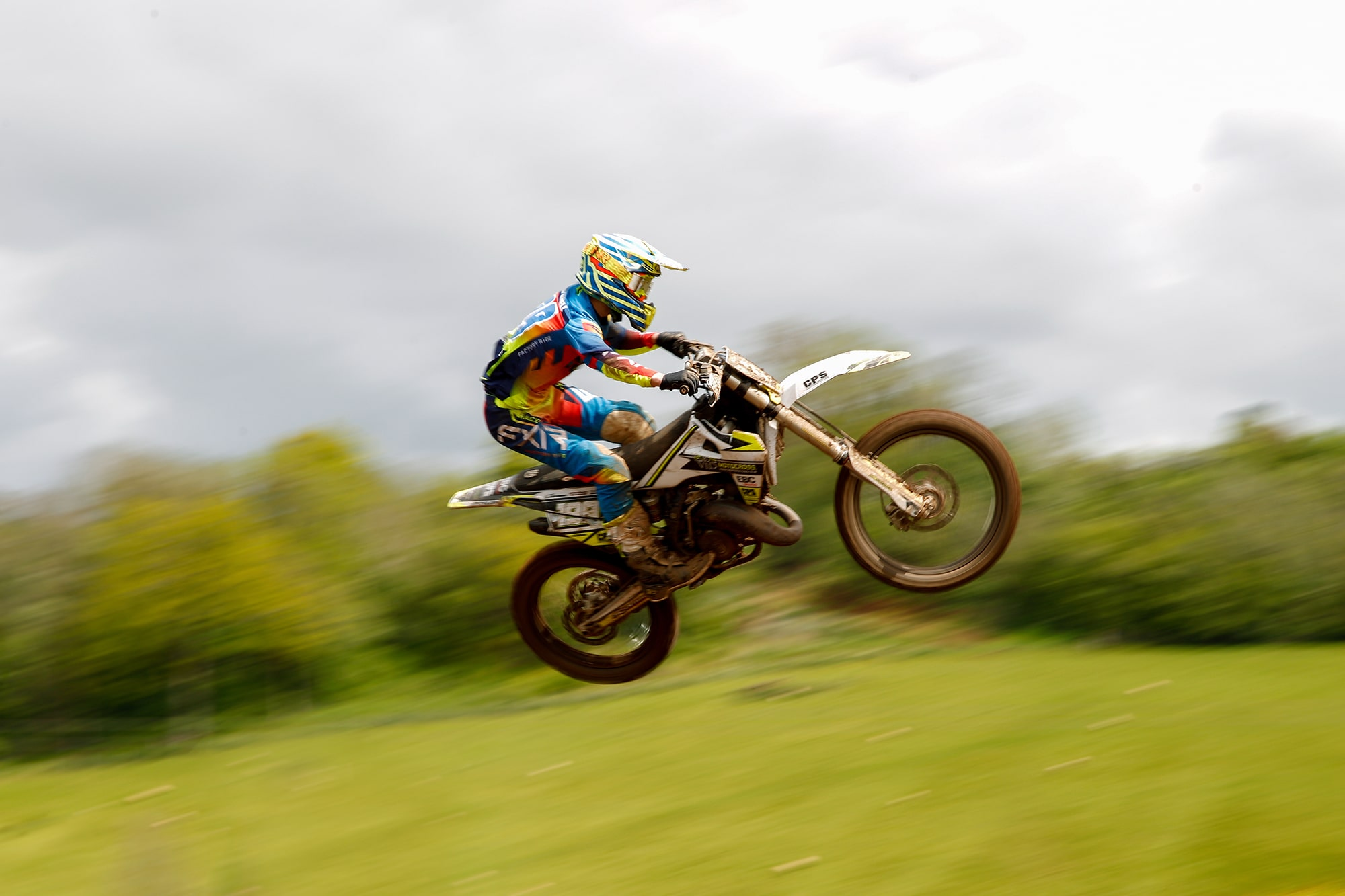 Race Report: MX Rider Lewis Bethell Maintains the Pace in Summer Races