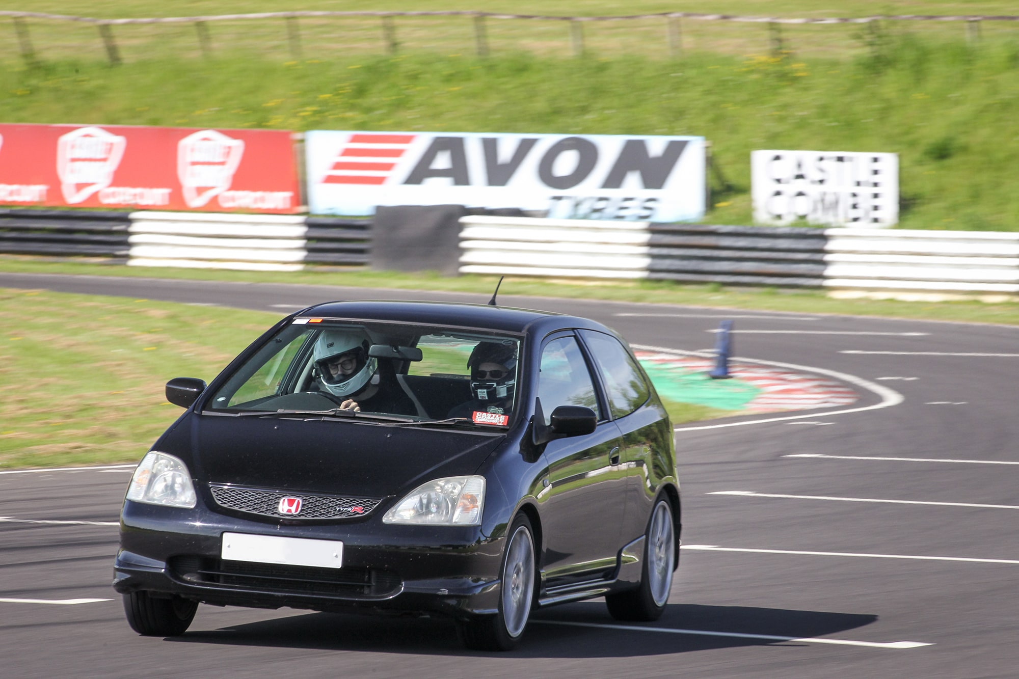 EP3 Civic Type R Big Brake Kit Tested on Road and Track