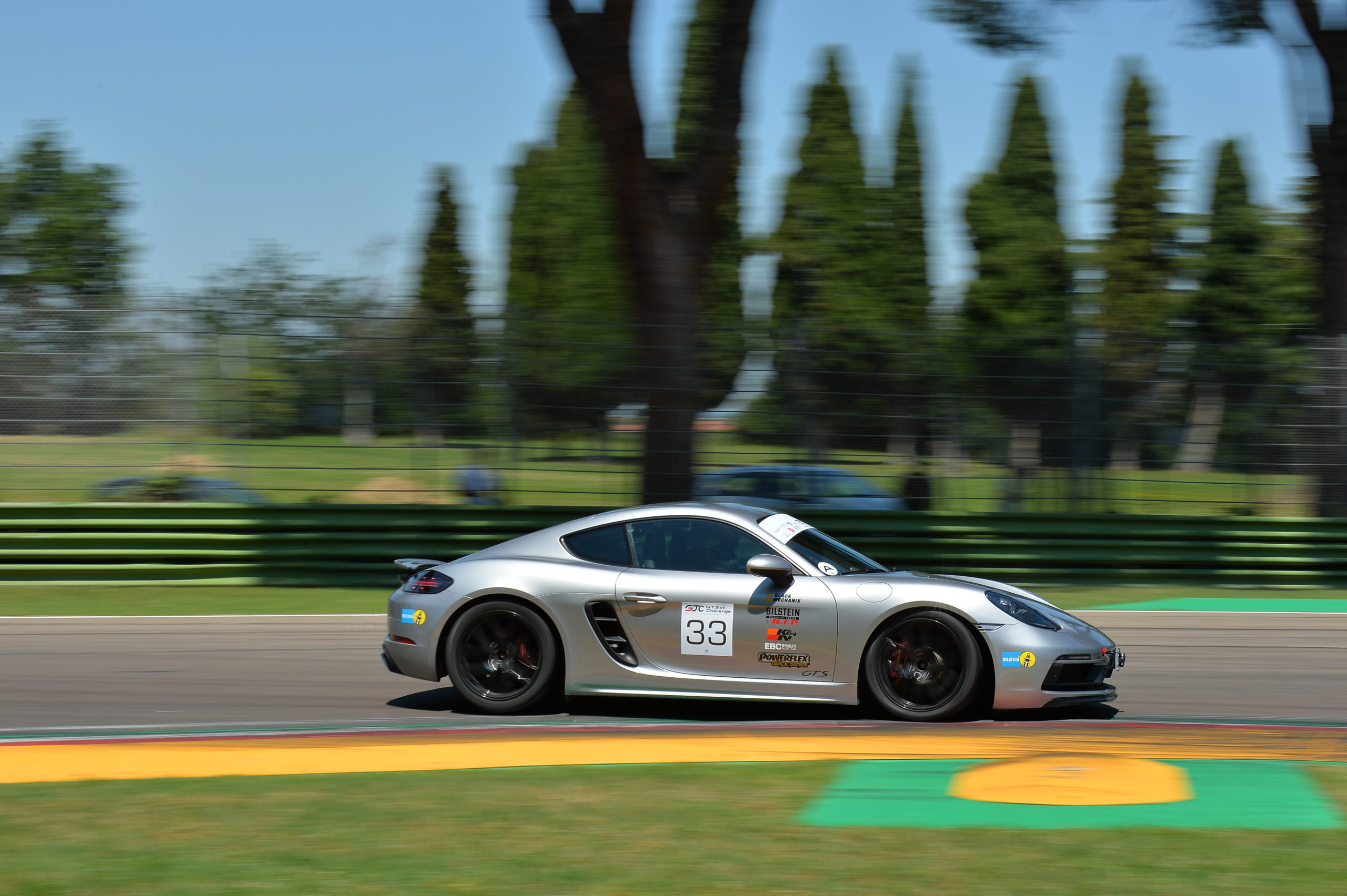 GT3 Challenge Racer Leads the Pack with RP-X-Equipped Porsche Cayman